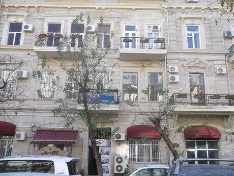 3-комн. вторичка - м. Сахиль - 100 м²
