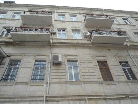 4-комн. вторичка - м. Сахиль - 142 м²