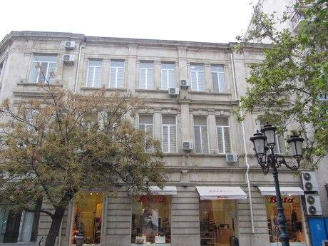 4 otaqlı köhnə tikili - İçəri Şəhər m. - 200 m²