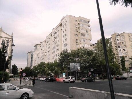4 otaqlı köhnə tikili - 28 May m. - 120 m²