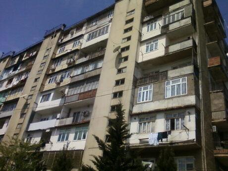 3-комн. вторичка - м. Нефтчиляр - 85 м²