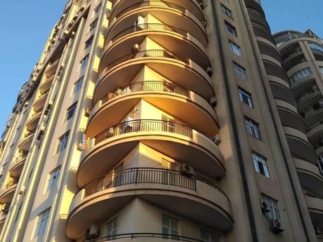 3-комн. новостройка - м. Шах Исмаил Хатаи - 109.7 м²