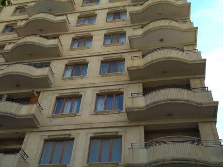 3-комн. новостройка - м. Сахиль - 150 м²