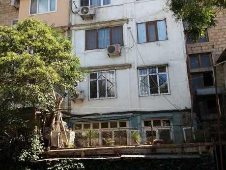 3 otaqlı köhnə tikili - İnşaatçılar m. - 75 m²