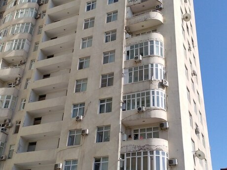 3-комн. новостройка - Насиминский  р. - 138 м²