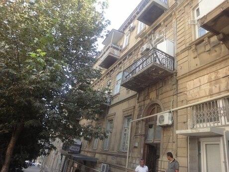 3 otaqlı köhnə tikili - Sahil m. - 190 m²