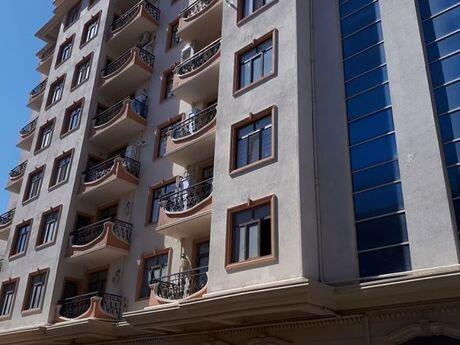 4 otaqlı yeni tikili - Şah İsmayıl Xətai m. - 150 m²