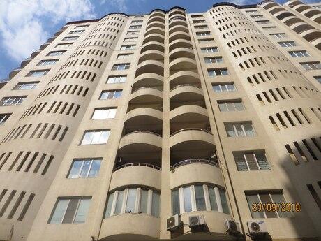 4-комн. новостройка - м. 28 мая - 175 м²