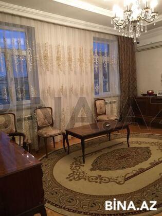 6 otaqlı ev / villa - Qaraçuxur q. - 180 m² (1)
