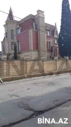 8 otaqlı ev / villa - Bakıxanov q. - 700 m² (1)