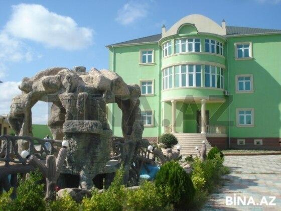 8 otaqlı ev / villa - Binəqədi r. - 622 m² (1)