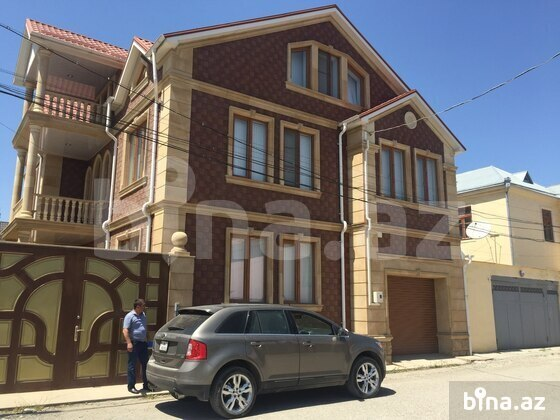 8 otaqlı ev / villa - Qusar - 300 m² (1)
