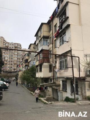 2 otaqlı köhnə tikili - 4-cü mikrorayon q. - 46 m² (1)