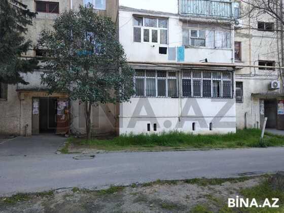 3-комн. вторичка - м. Нефтчиляр - 70 м² (1)