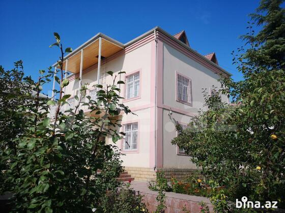 6 otaqlı ev / villa - Bakıxanov q. - 230 m² (1)