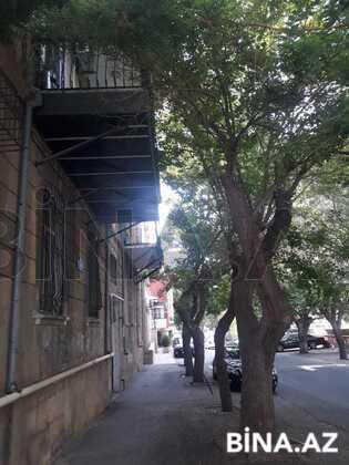 3 otaqlı köhnə tikili - Bayıl q. - 160 m² (1)