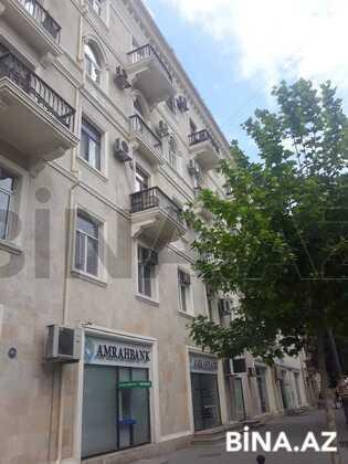 3 otaqlı köhnə tikili - 28 May m. - 70 m² (1)