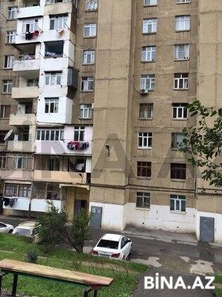 4 otaqlı köhnə tikili - 8-ci mikrorayon q. - 73 m² (1)