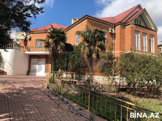 8 otaqlı ev / villa - M.Ə.Rəsulzadə q. - 500 m² (1)