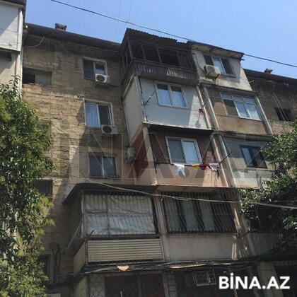 3 otaqlı köhnə tikili - İnşaatçılar m. - 74 m² (1)