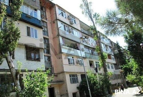 3 otaqlı köhnə tikili - İnşaatçılar m. - 70 m² (1)