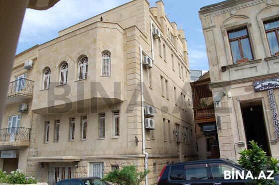 3 otaqlı köhnə tikili - İçəri Şəhər m. - 150 m² (1)