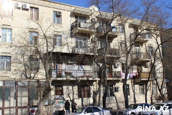 3 otaqlı köhnə tikili - Elmlər Akademiyası m. - 70 m² (1)