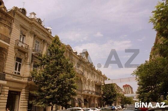 5 otaqlı köhnə tikili - 28 May m. - 223 m² (1)
