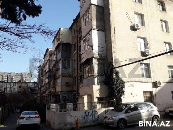 1 otaqlı köhnə tikili - İnşaatçılar m. - 50 m² (1)