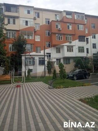 3 otaqlı köhnə tikili - 6-cı mikrorayon q. - 70 m² (1)