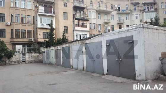 Qaraj - İçəri Şəhər m. - 18 m² (1)