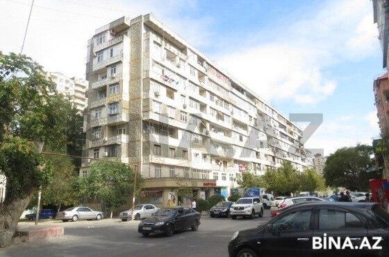 2 otaqlı köhnə tikili - 8-ci mikrorayon q. - 57 m² (1)
