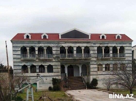 15 otaqlı ev / villa - Şüvəlan q. - 700 m² (1)