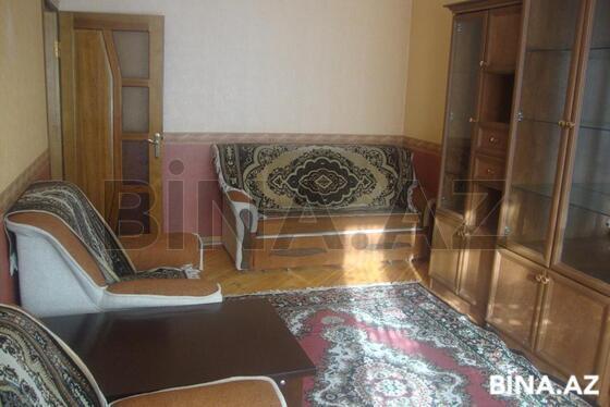 2 otaqlı köhnə tikili - İnşaatçılar m. - 60 m² (1)