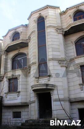8 otaqlı ev / villa - Bakıxanov q. - 330 m² (1)