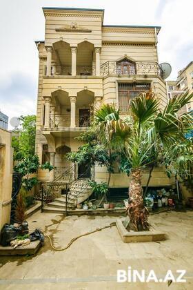 7 otaqlı ev / villa - Gənclik m. - 600 m² (1)