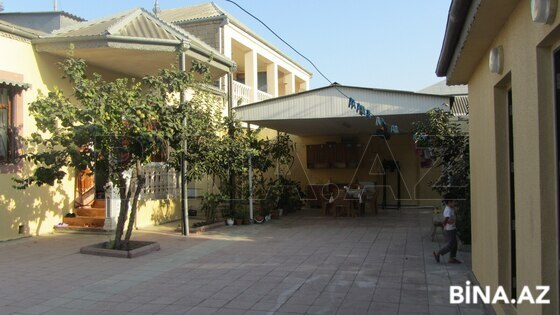 5 otaqlı ev / villa - Bakıxanov q. - 180 m² (1)