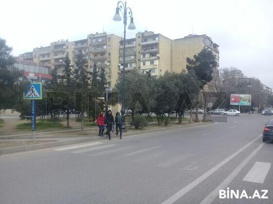 3 otaqlı köhnə tikili - 4-cü mikrorayon q. - 122 m² (1)