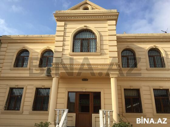 8 otaqlı ev / villa - 9-cu mikrorayon q. - 560 m² (1)