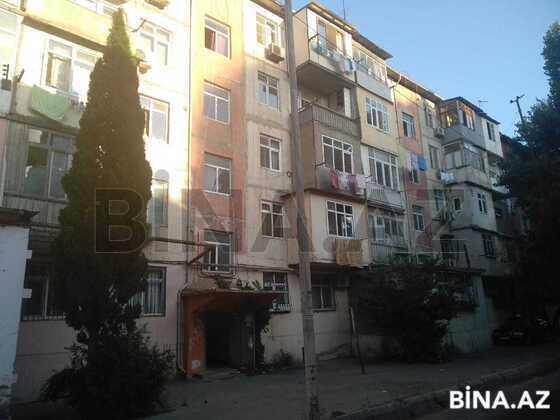 3 otaqlı köhnə tikili - 7-ci mikrorayon q. - 62 m² (1)