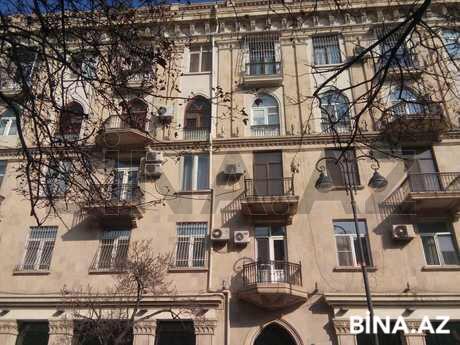 3 otaqlı köhnə tikili - 28 May m. - 130 m² (1)