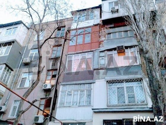 3 otaqlı köhnə tikili - 4-cü mikrorayon q. - 70 m² (1)