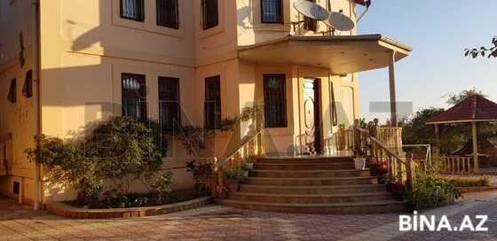 7 otaqlı ev / villa - Bakıxanov q. - 630 m² (1)