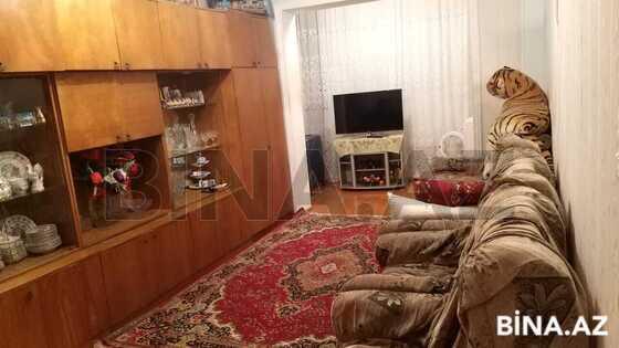 3 otaqlı köhnə tikili - İnşaatçılar m. - 80 m² (1)