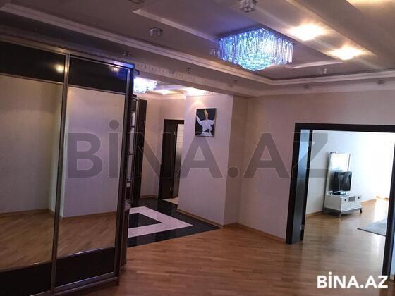 3 otaqlı yeni tikili - 28 May q. - 161 m² (1)