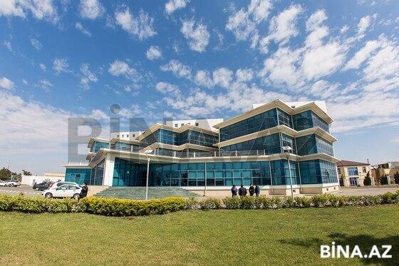 20 otaqlı ofis - Səbail r. - 2000 m² (1)