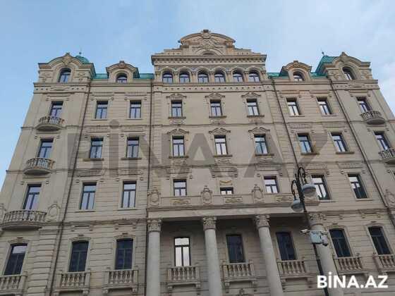 9 otaqlı ev / villa - Xətai r. - 700 m² (1)