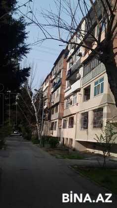 3 otaqlı köhnə tikili - 8-ci mikrorayon q. - 75 m² (1)