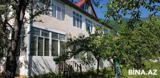 6 otaqlı ev / villa - Qəbələ - 250 m² (1)