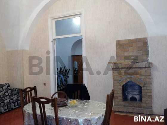 3 otaqlı köhnə tikili - 28 May m. - 85 m² (1)